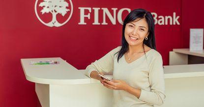 Самые красивые сотрудницы банков поздравляют с весенним праздником
