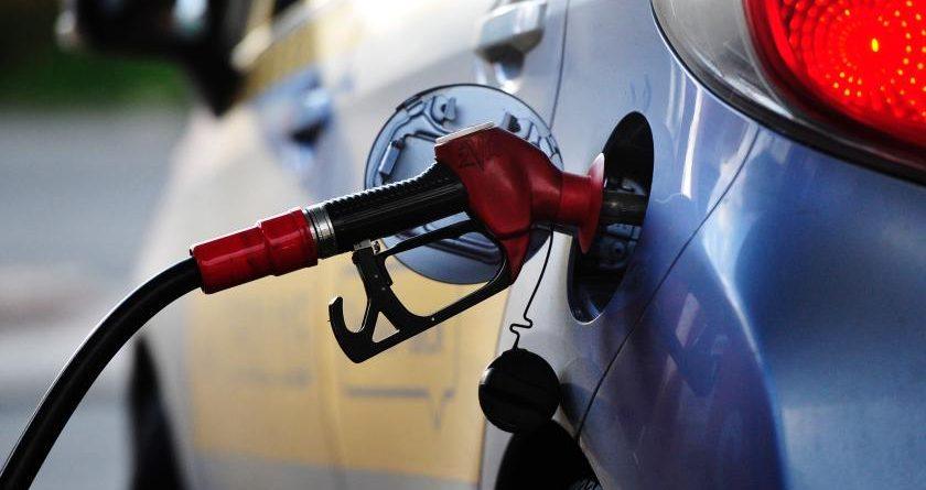 Почему Кыргызстану нужен казахстанский бензин?