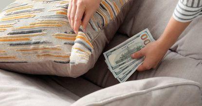 Суеверие не спасет от финансовых трат: как избавиться от «инфляции» в кошельке