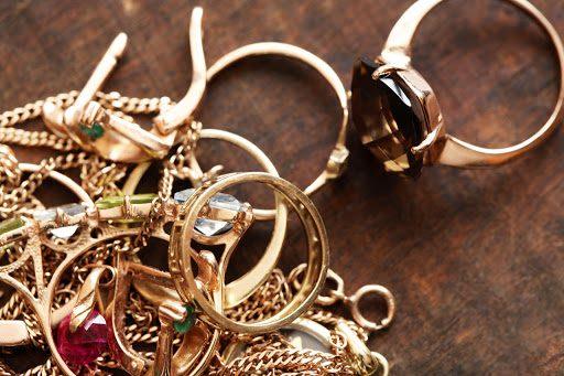 В КР объемы продаж ювелирных украшений стали худшими за последние 20 лет