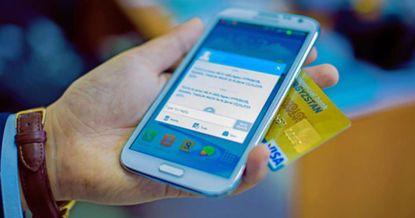 Управляйте своими банковскими счетами с помощью мобильного телефона 24 часа в сутки