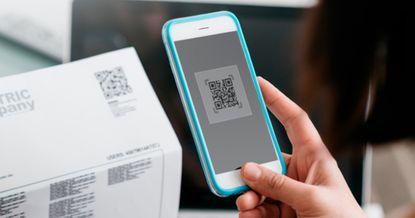 Безналичные платежи: как в Кыргызстане оплатить покупку через QR-код?