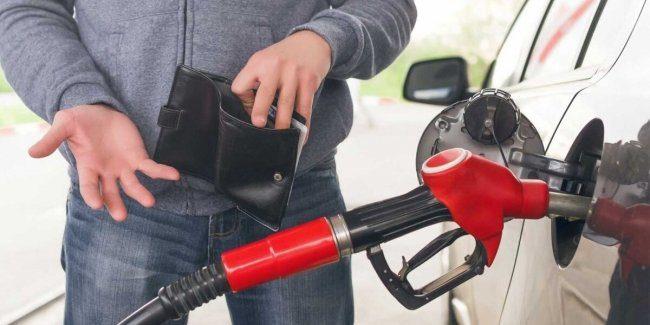 Нефтетрейдеров КР просят сдерживать цены на ГСМ