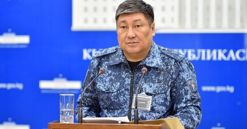 В Бишкеке запрещено совершать покупки в магазинах и аптеках вдали от дома