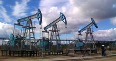 Казахстан объявит о сокращении добычи нефти только после встречи с ОПЕК
