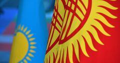 Кыргызстан и Казахстан договорились о либерализации грузоперевозок