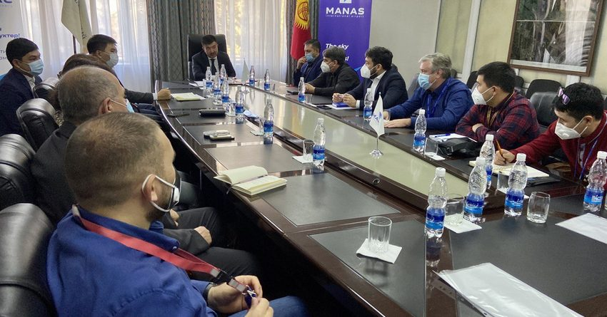 Глава ОАО «МАМ» встретился с представителями авиакомпаний КР