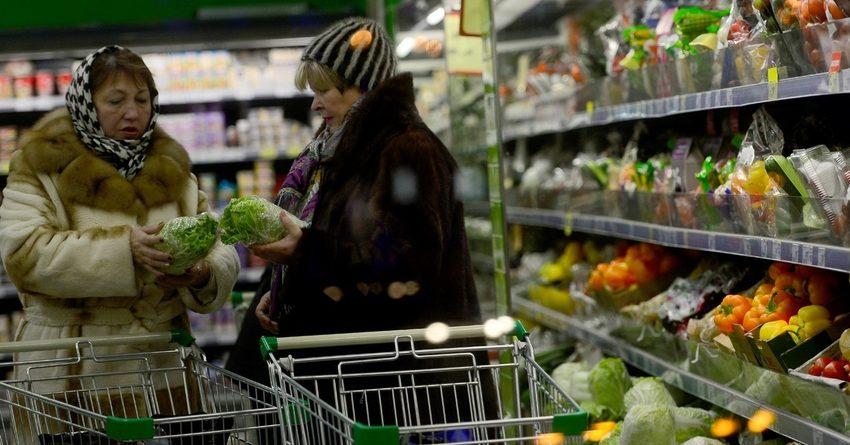 О нехватке средств на еду и одежду заявили более 40% россиян