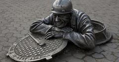 В Бишкеке украли люки и решетки на 1.8 млн сомов