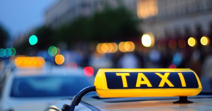 Казахстанцы стали реже пользоваться услугами такси