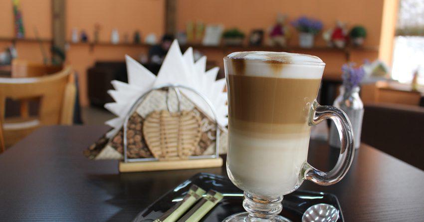 Кофе 17.5 пайызга кымбаттады: кофейнялар кантип күн көрүп жатышат?