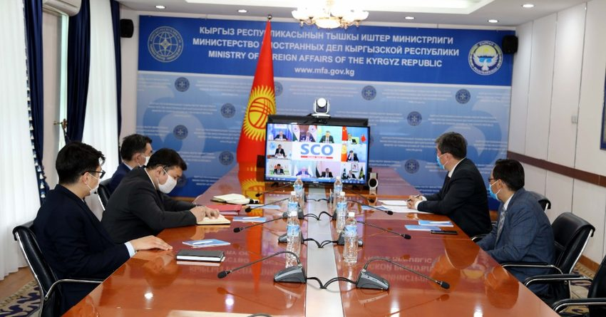 Министры иностранных дел ШОС приняли заявление по COVID-19