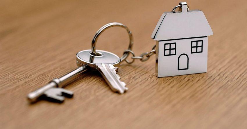 Объем выдачи ипотечных кредитов падает седьмой месяц подряд
