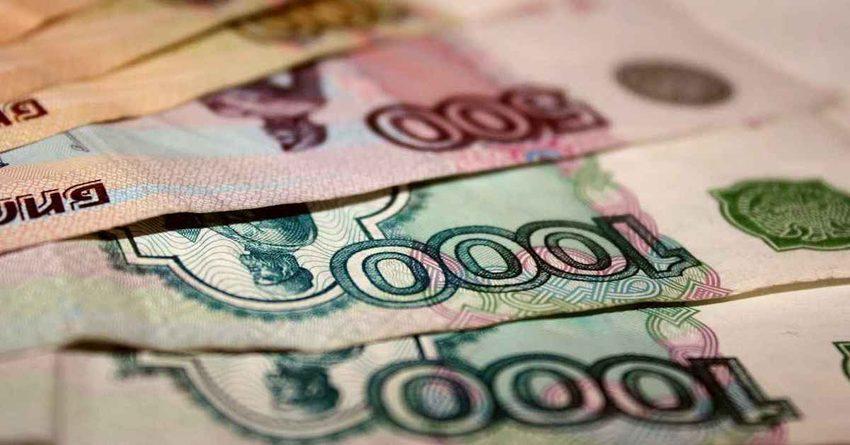 Около 60 процентов граждан России сохраняют сбережения врублях