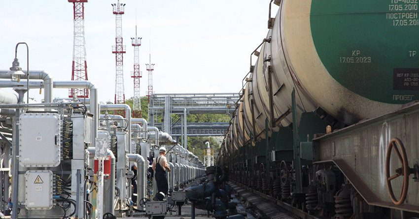 Казахстан потерял $113 млн на сокращении экспорта нефти в Китай