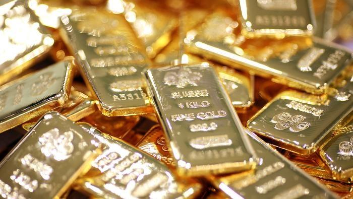 Владельцы унции золота за месяц заработали 2 тысячи 942 сома