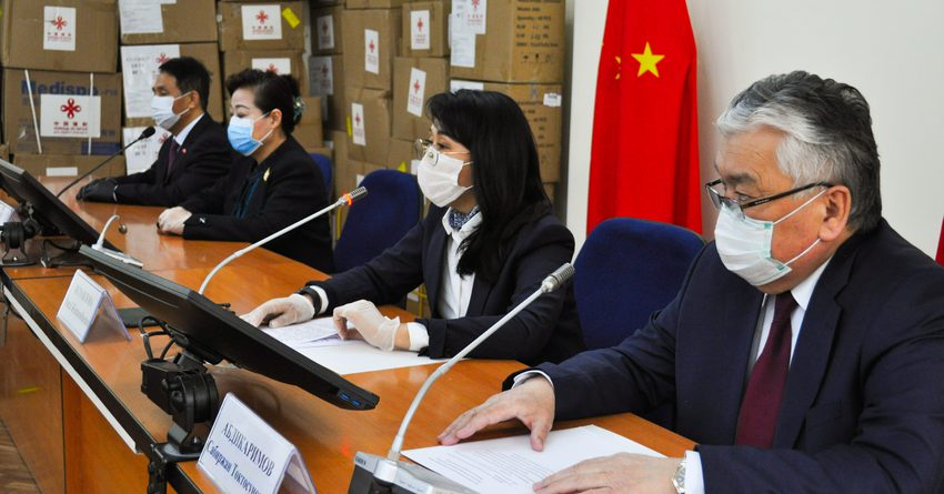 КНР передала груз для борьбы с COVID-19 стоимостью 7.6 млн сомов