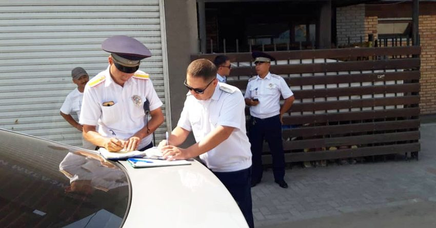 В Бишкеке за неделю поймали 200 таксистов, работающих без патента