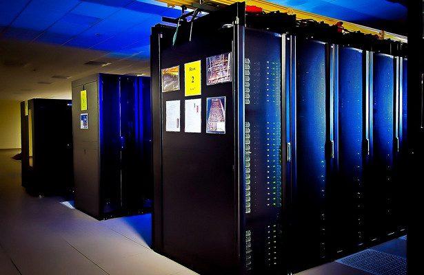 Сбербанк представил самый мощный компьютер в России