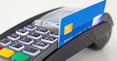 В 2016 году кыргызстанцы в 1.3 раза чаще оплачивали покупки платежными картами