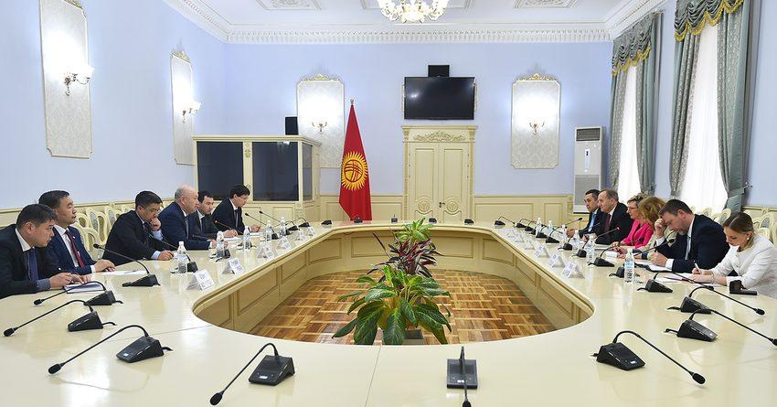 Жениш Разаков встретился с министром промышленности и торговли Чехии