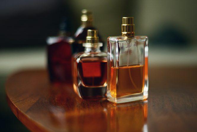 В Россию из КР пытались завезти поддельный парфюм