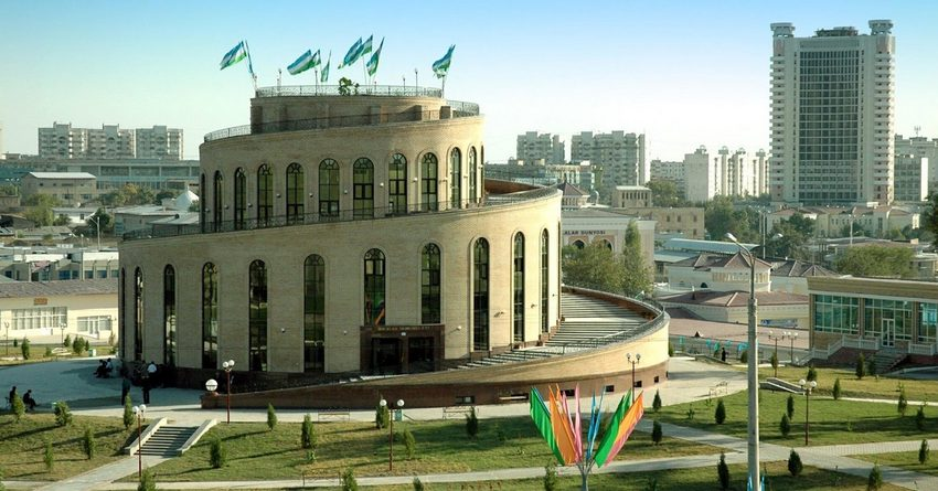 Узбекские олигархи России инвестируют в экономику Узбекистана