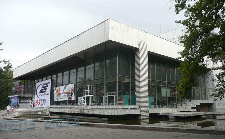 С 1 августа начнут работать театры в онлайн-режиме
