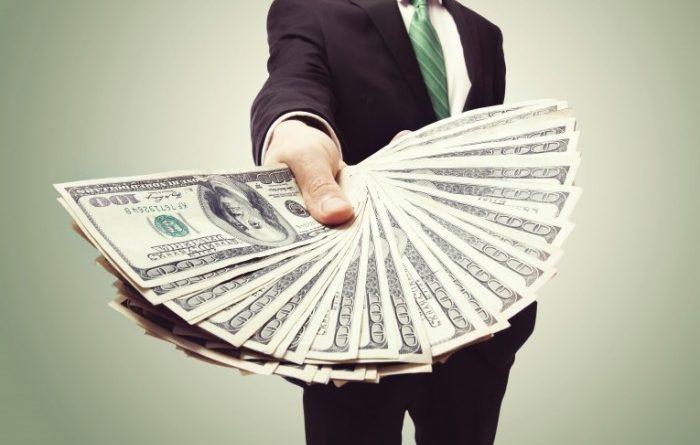 В РК каждый заемщик должен банкам и финучреждениям почти 900 тысяч тенге