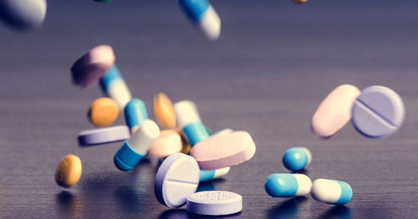 Страна за месяц потребила годовой запас лекарств — Шакирова