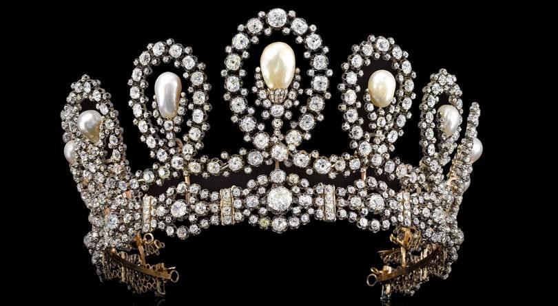 Тиара королевы Испании выставлена на аукцион за $1.5 млн