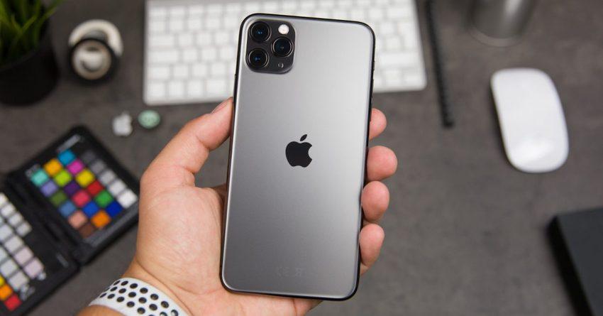 В России рекордно снизилась цена на последний IPhone