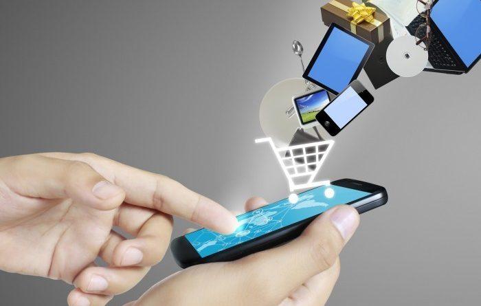 В Казахстане в два раза увеличились платежи через Интернет и мобильные кошельки