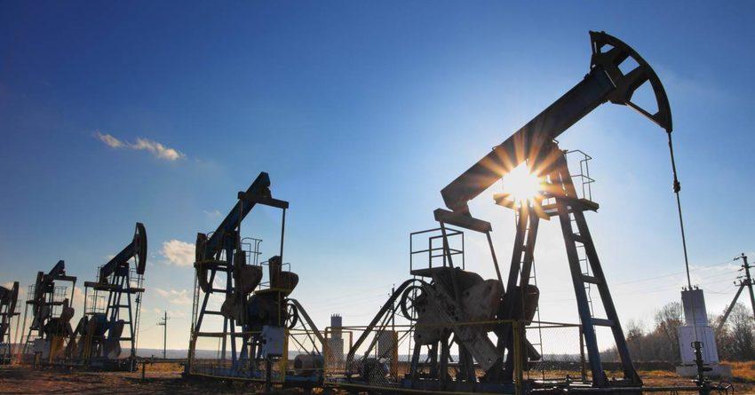 Нефть подешевела из-за прогнозируемой рецессии