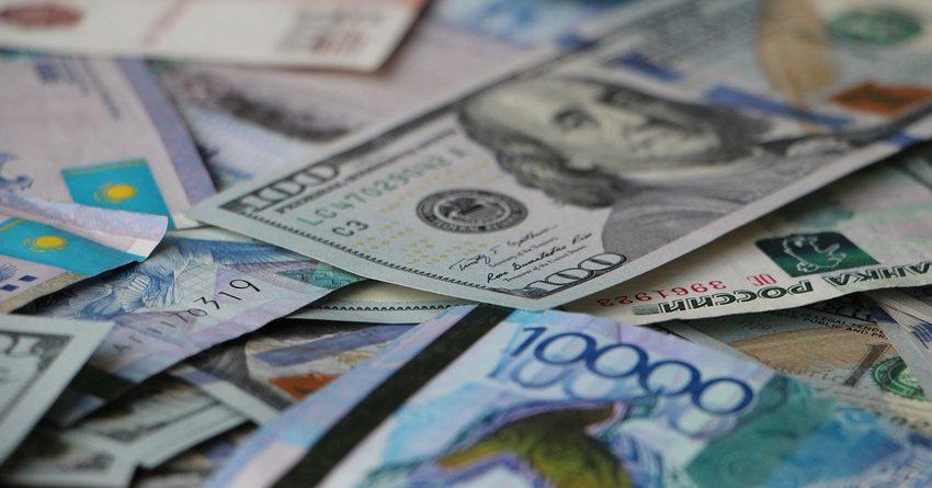 В 2016 году объем торгов валютами на казахстанской фондовой бирже KASE упал на 45%