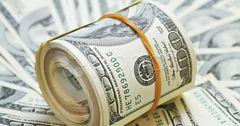 В России доллар рекордно упал