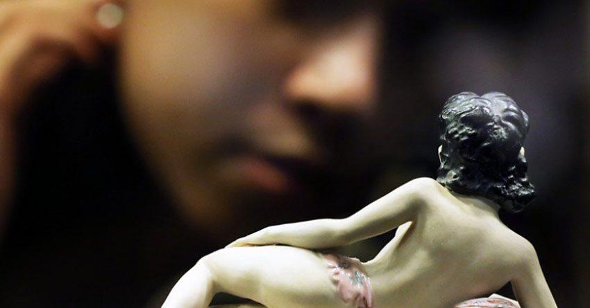 Китайские ростовщики требуют пикантные фотографии заемщиц в качестве залога