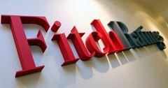 Fitch улучшило кредитный рейтинг России с «негативного» до «стабильного»