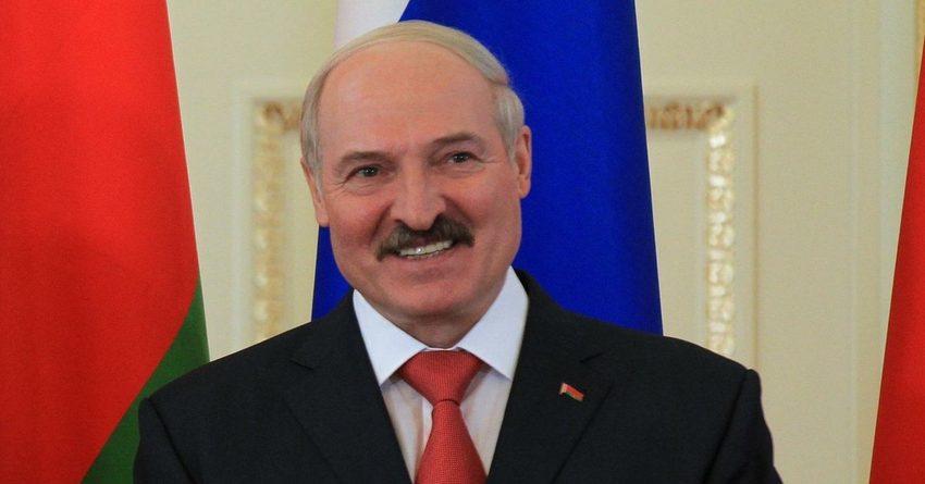Глава Беларуси сообщил об урегулировании спора по газу и нефти с Россией