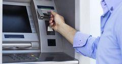В Кыргызстане стали на 33% чаще оплачивать налоги через банкоматы и терминалы