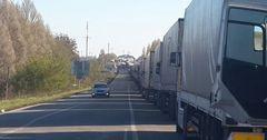 Простаивающим на границе с РК грузоперевозчикам могут возместить убытки