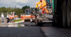 Простаивающую восемь лет спецтехнику для ремонта дорог в КР отремонтировали японцы