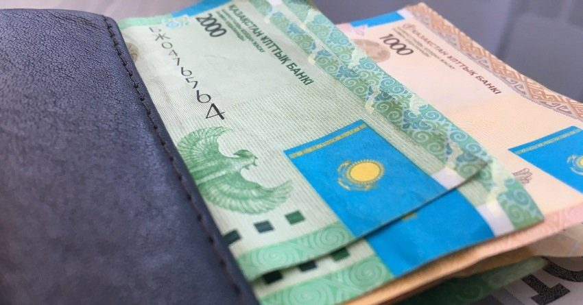 Зарплата в РК за год увеличилась на 18.1%