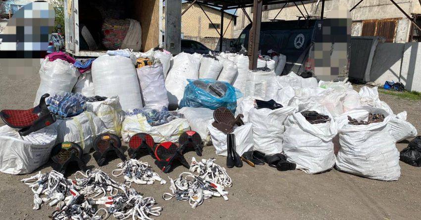 Таможенники пресекли контрабанду на 3 млн сомов