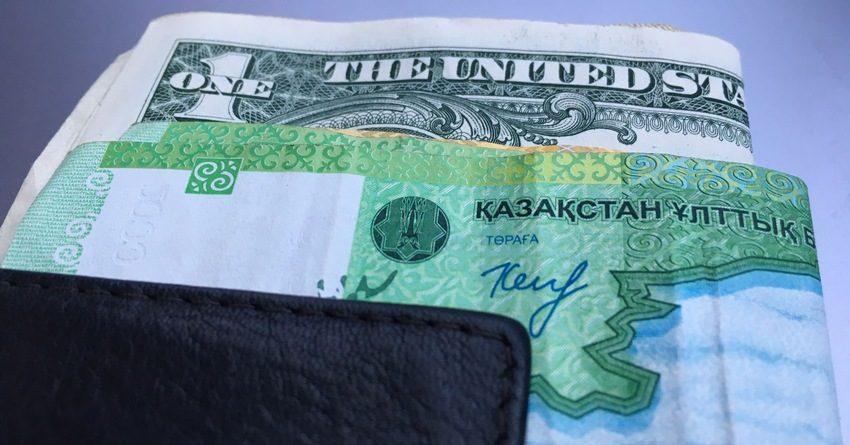 Казахстанцы предпочитают держать средства в самых крупных банках страны