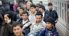 Министр экономики: поток денежных переводов от мигрантов сопоставим с 75% госбюджета КР