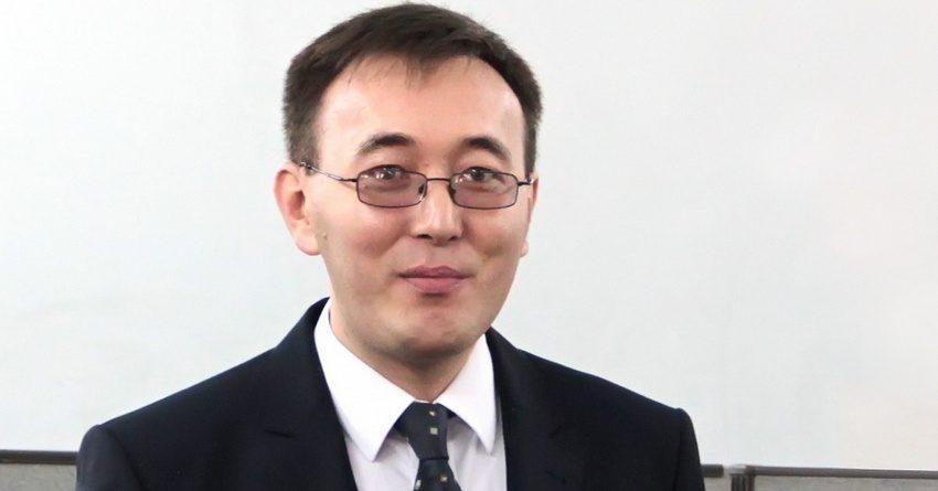 Абдыгулов: Укрепление доллара США произошло из-за краткосрочного повышения спроса на инвалюту
