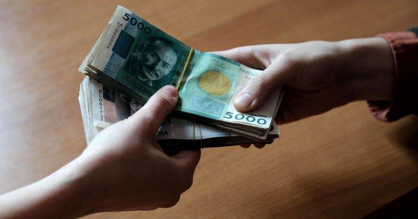 С начала года траты бюджета на госсектор и оборону перевалили за 20 млрд сомов