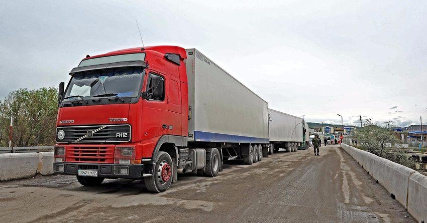 Казахстан снял фитосанитарный контроль на границе с Кыргызстаном