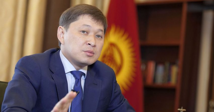 В кабмине пояснили, зачем Сапар Исаков «подарил» Генпрокуратуре 250 млн сомов